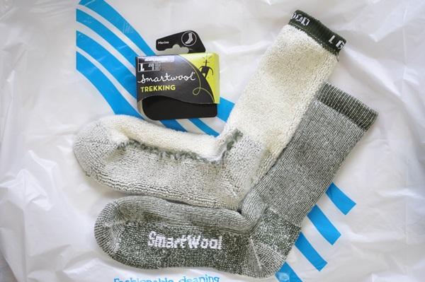 クッション性と暖かいので登山用の靴下を冬に履く